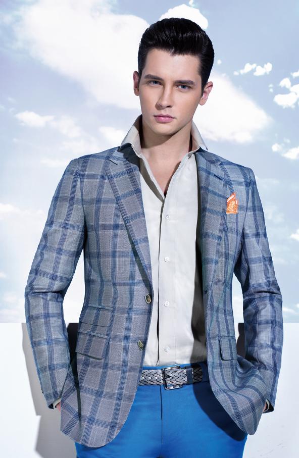 Letní sako a chinos - smart casual volba za cenu obleku